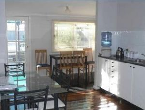 Comfort Cottage - Coogee Beach Accommodation